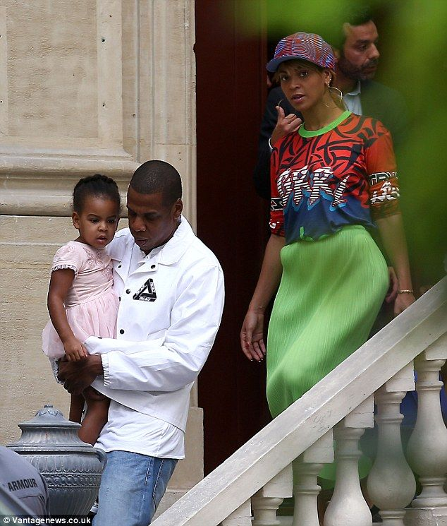 1412269221698_Image_galleryImage_Jay_Z_Beyonce_and_their_d.JPG